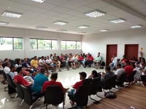 Assessoras e assessores reunidos durante o 12º ENPJ (Fotos/Arquivo pessoal).
